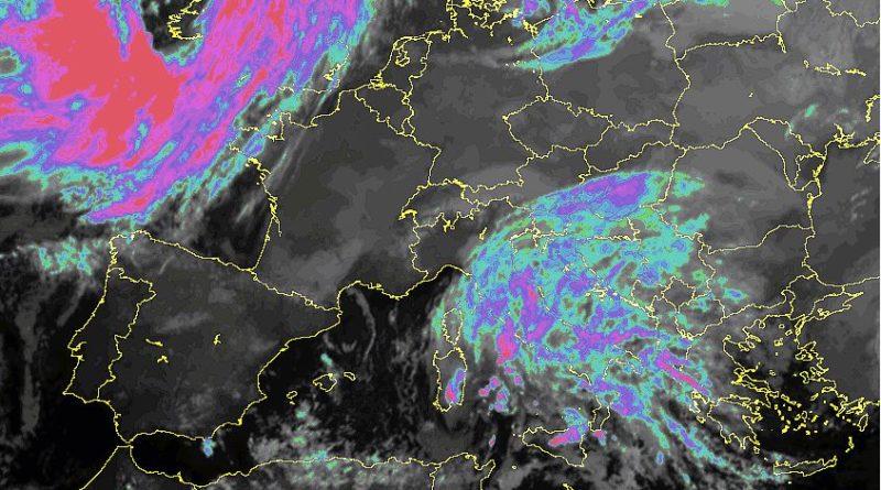 Perturbazione in transito continuerà a favorire precipitazioni anche sulla nostra regione con quota neve in graduale calo martedì