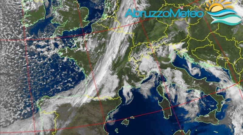 Prosegue il tempo stabile ma da lunedì è atteso un graduale peggioramento delle condizioni atmosferiche che si estenderà anche verso la nostra regione tra martedì e mercoledì