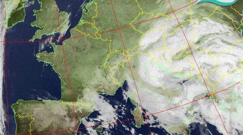 La giornata di giovedì sarà caratterizzata dal maltempo con precipitazioni diffuse sul settore adriatico e copiose nevicate sui rilievi