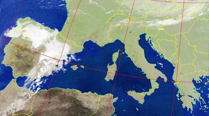 L'Anticiclone delle Azzorre garantirà tempo stabile e prevalentemente soleggiato su gran parte delle nostre regioni ma non si escludono temporali pomeridiani sulle zone interne e montuose