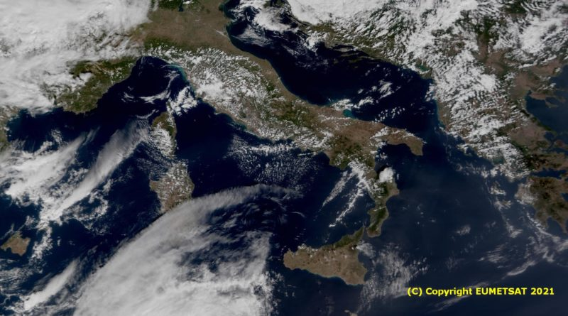 Temporaneo aumento dell'instabilità nelle prossime ore anche sulle regioni centrali con annuvolamenti e possibili rovesci ma da mercoledì tempo in miglioramento